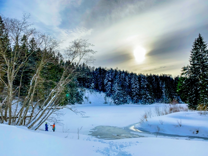 Stausee beim Chalet im Winter